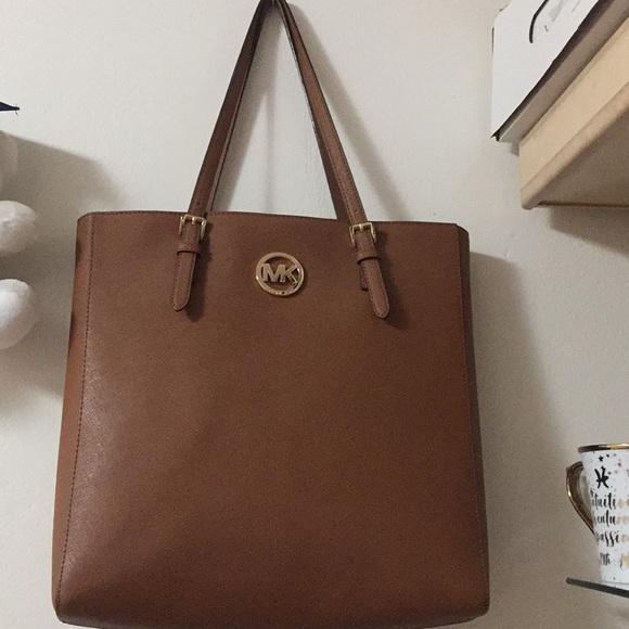 Michael Kors Handbags - Michael kors Hand bag